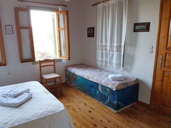 Main House 2nd Bedroom